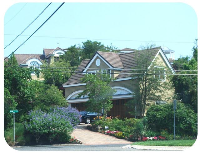 Avalon Utz Mansion neighbors