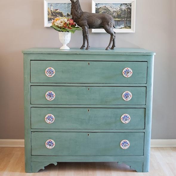 CeCe Caldwell Destin Golf Green Chalk Paint Dresser Makeover