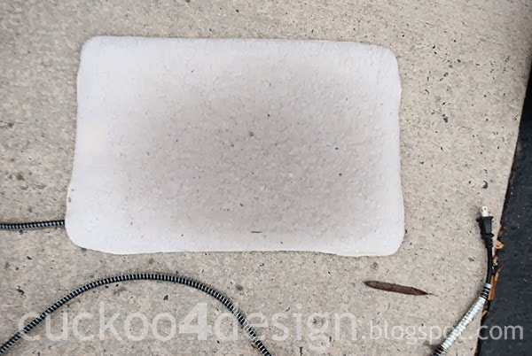 outdoor heated pad for igloo cat house