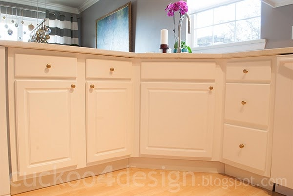 Painting laminate kitchen cabinets cuckoo4design for Can you paint ikea kitchen cabinets