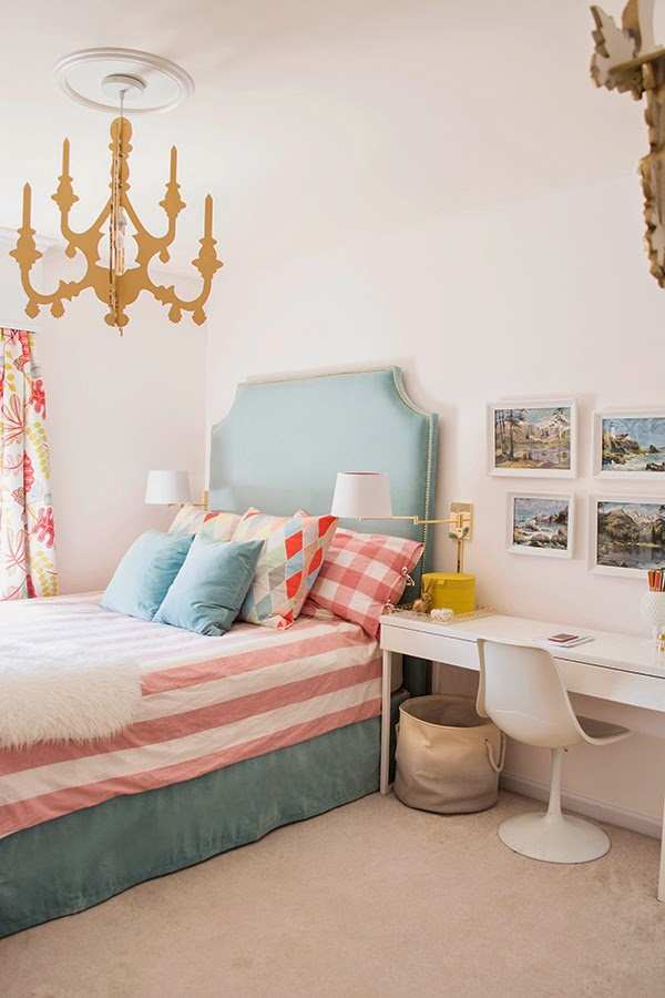 Little girl's turquoise and gold bedroom