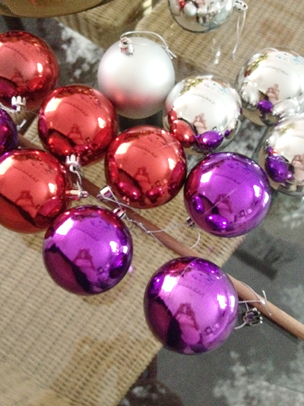 How to paint cheap plastic Christmas balls