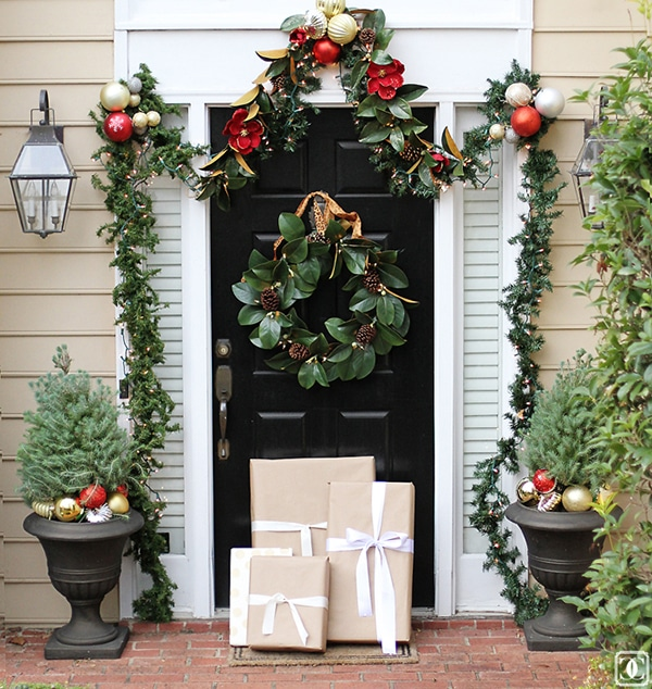 gorgeous traditional Christmas entry way