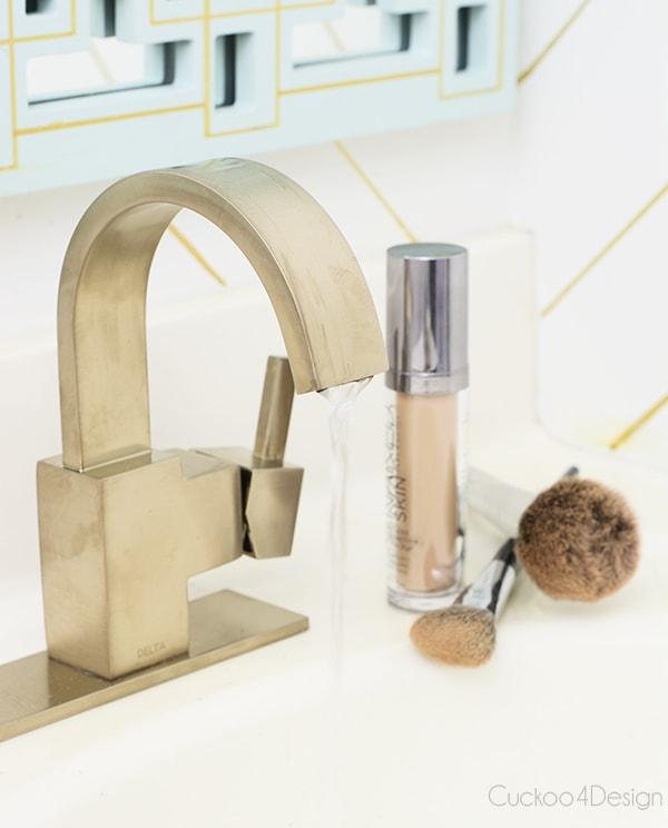 Champagne Bronze Delta® Faucet VERO Single Handle Centerset Lavatory Faucet