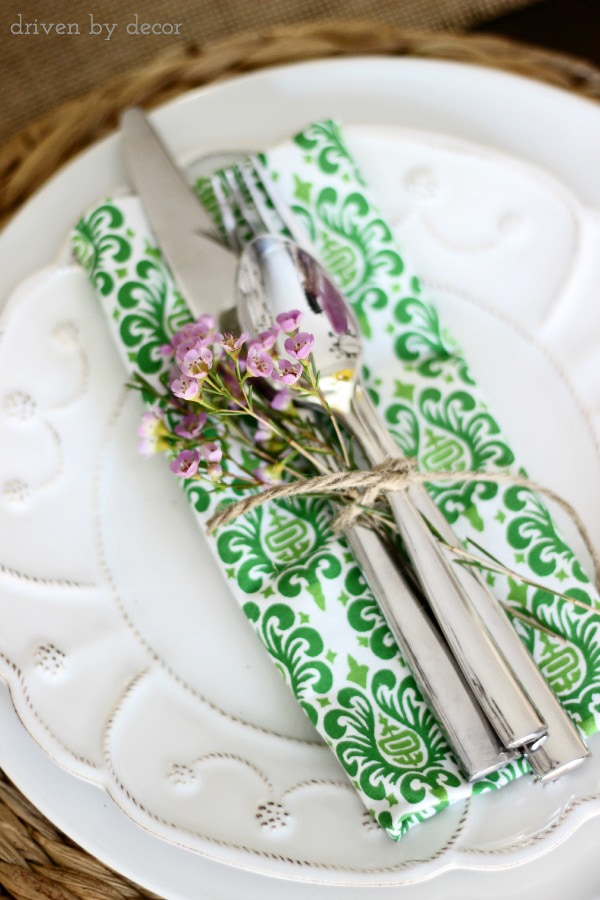 simple spring & easter table decorations