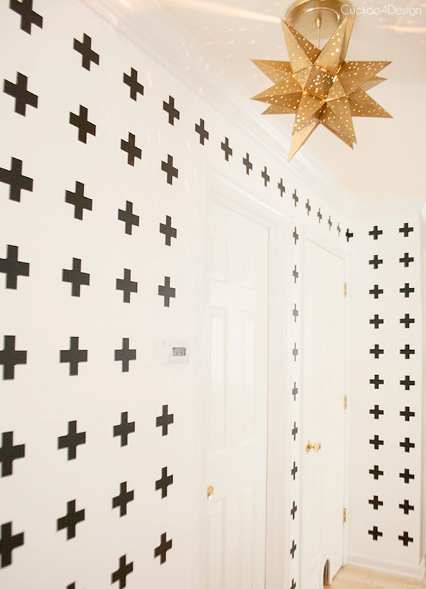 white_wall_with_black_crosses5
