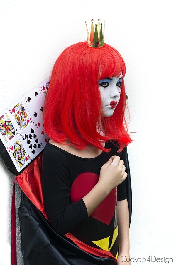 Easy Queen of hearts costume