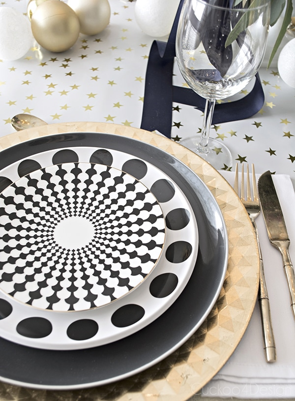 Urchin_chandelier_and_Christmas_table_scape_Cuckoo4Design_25