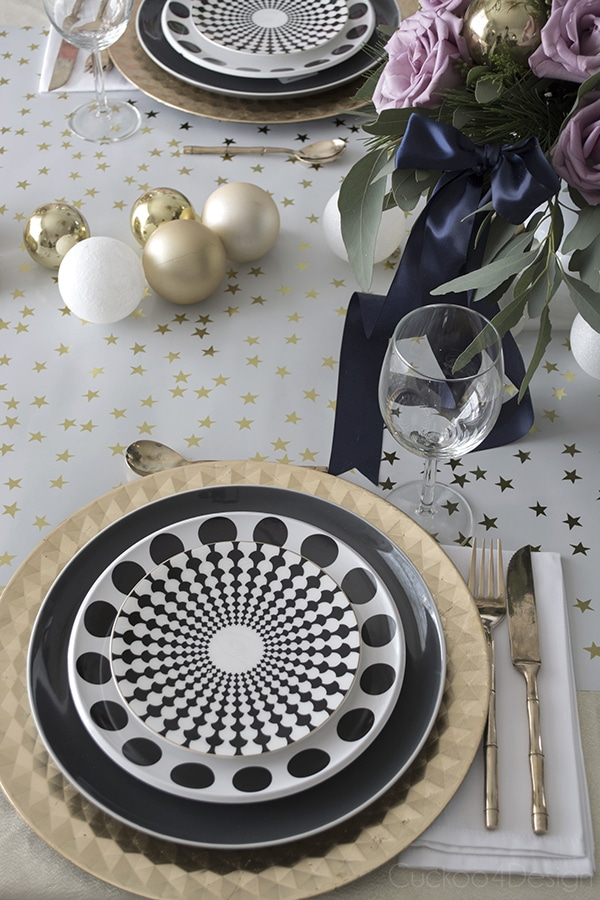 Urchin_chandelier_and_Christmas_table_scape_Cuckoo4Design_7