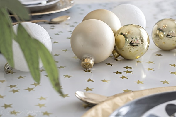 Urchin_chandelier_and_Christmas_table_scape_Cuckoo4Design_79