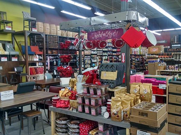 Montgomeryville_PA_WorldMarket_store32_HDR