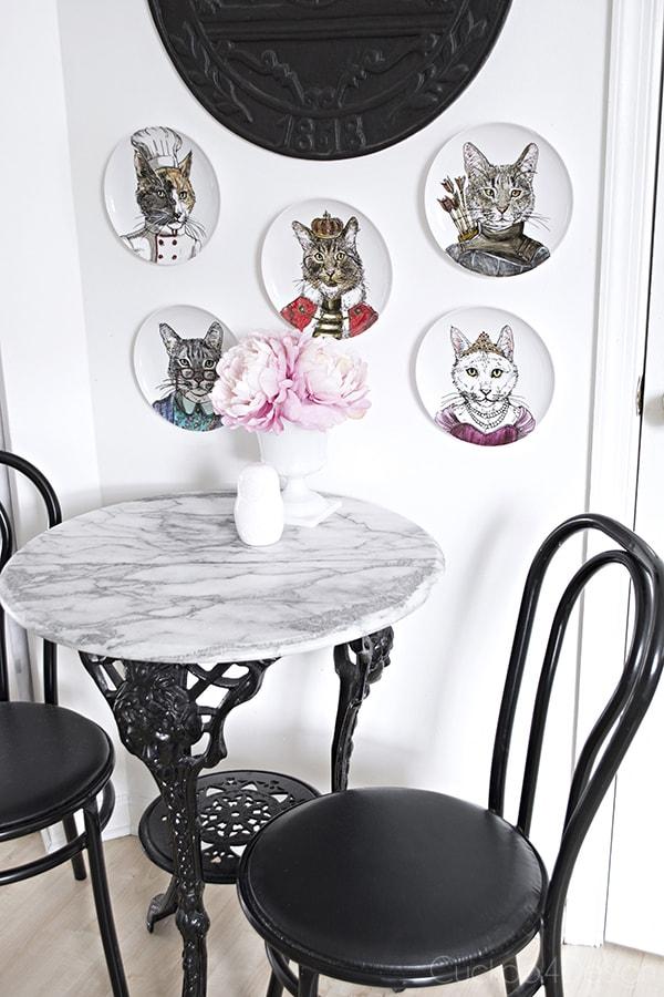 dapper animal plates kitchen wall - Cuckoo4Design