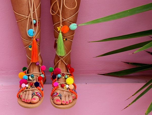 colorful-boho_pompom_sandals