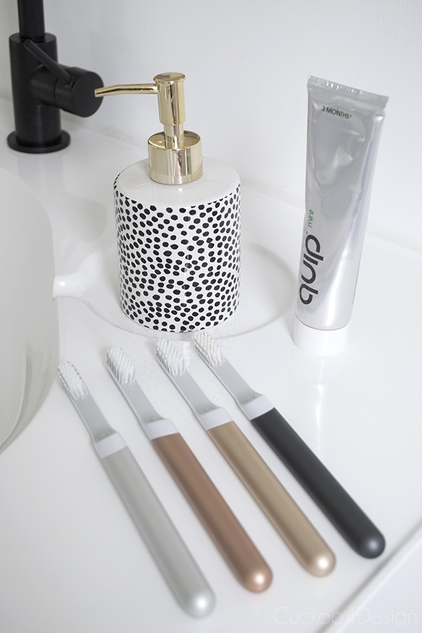 Do you ever get sucked into buying from an ad? Well I just did and thought I might as well write about it, so here is my review of quib toothbrushes