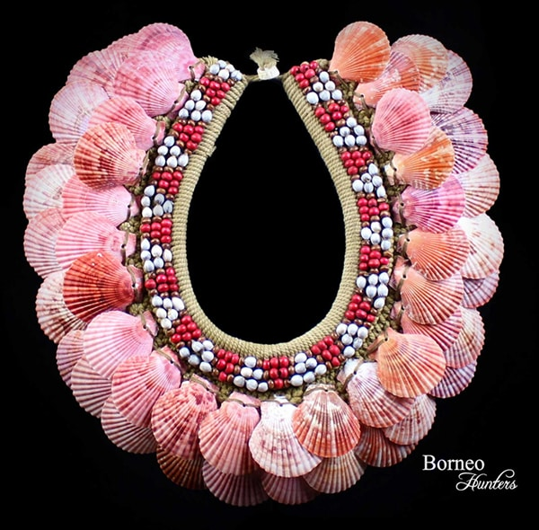 Pink Ribbed seashell Rope Necklace