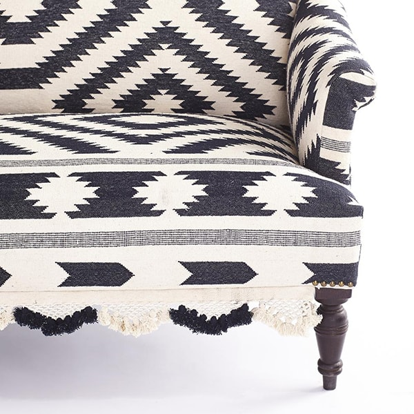 black_and_white_tribal_rug_settee_1