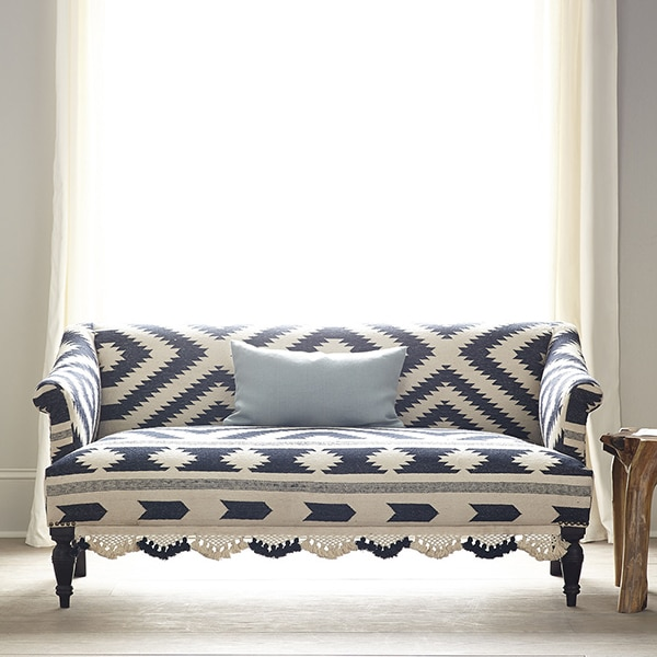 black_and_white_tribal_rug_settee_3