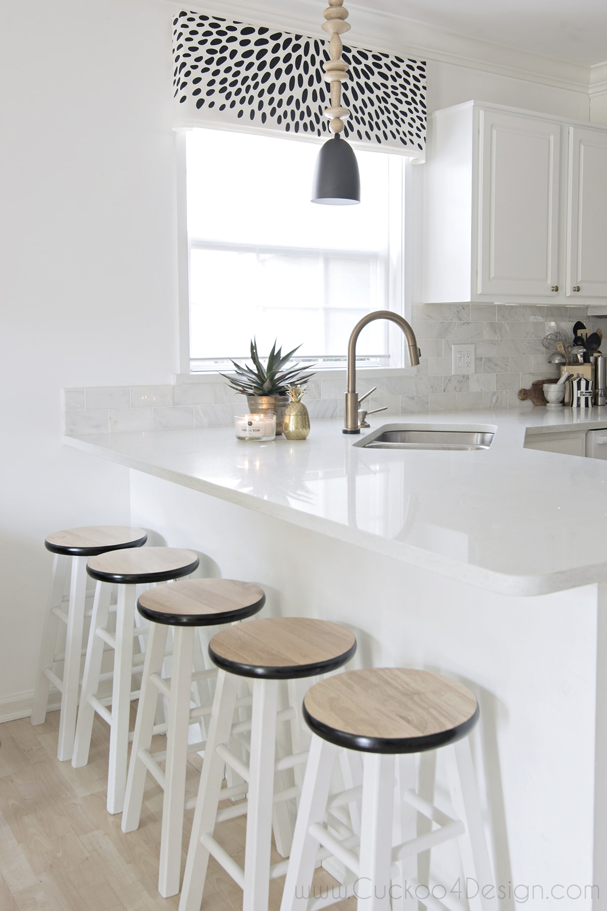 black and white kitchen accents