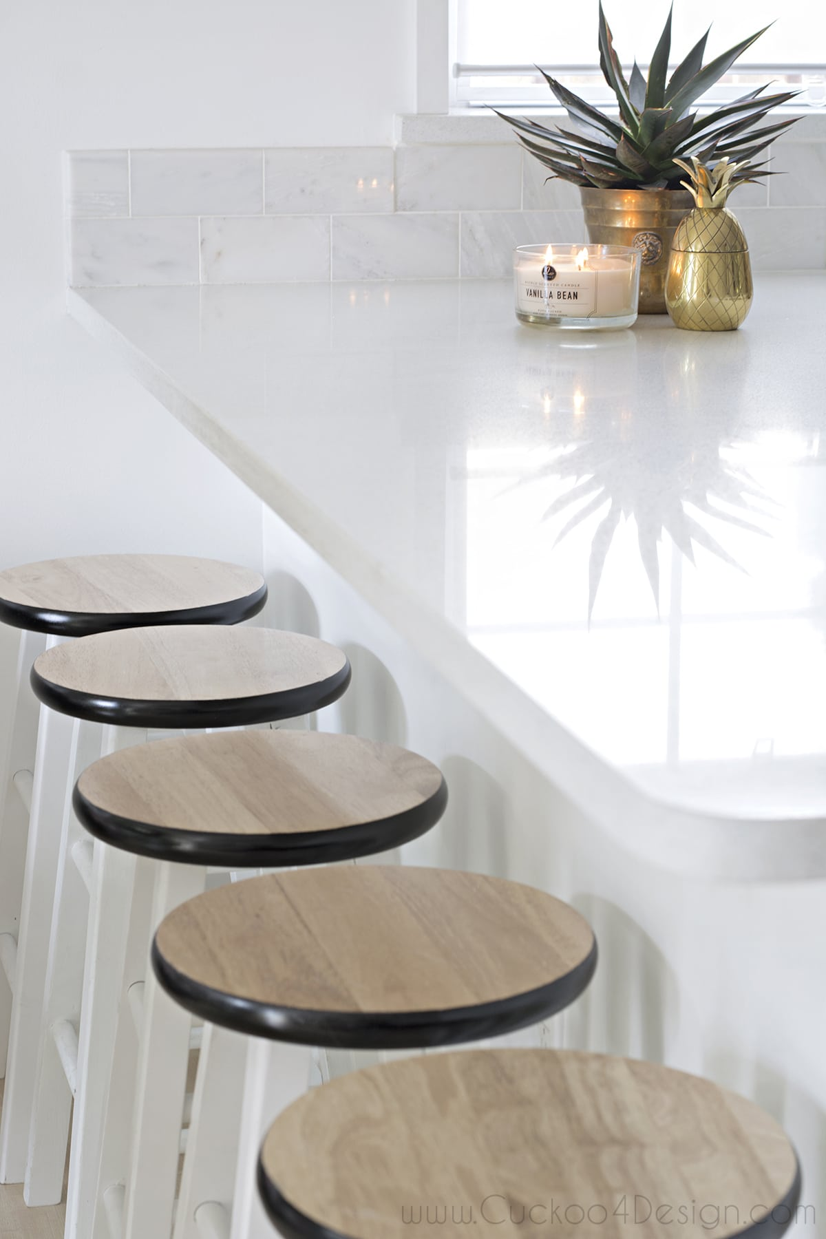 black_white_and_gold_kitchen_cuckoo4design_7