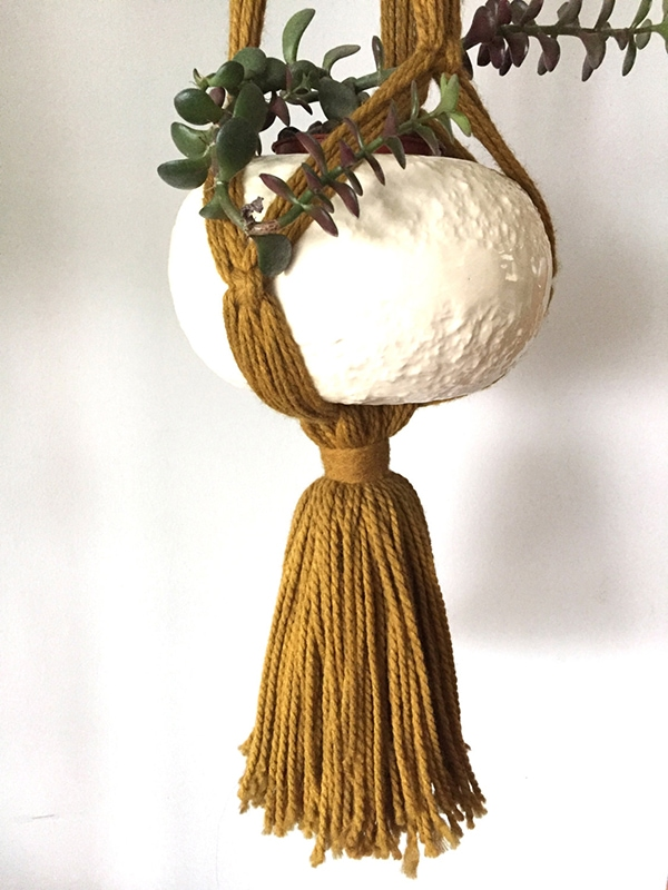 huge_tassel_macrame_planter