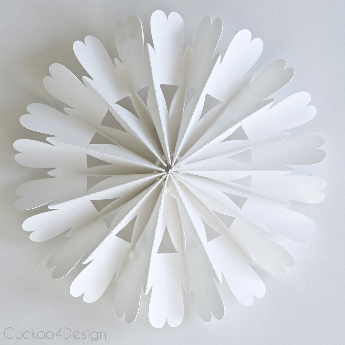 diy_cardboard_snowflake_ornament_cuckoo4design_4