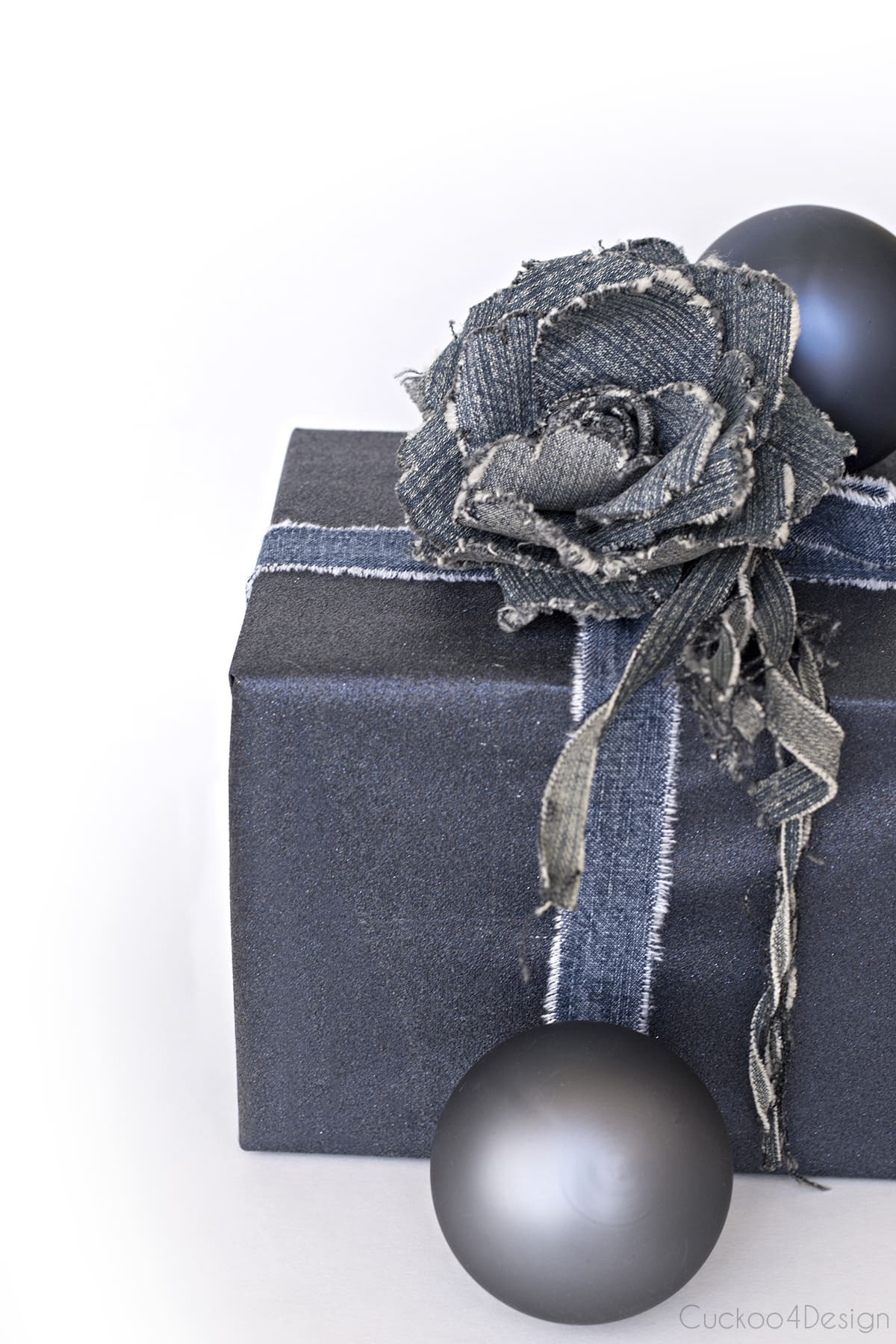 blue jeans gift wrapping idea