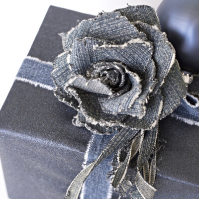 jeans gift wrapping idea