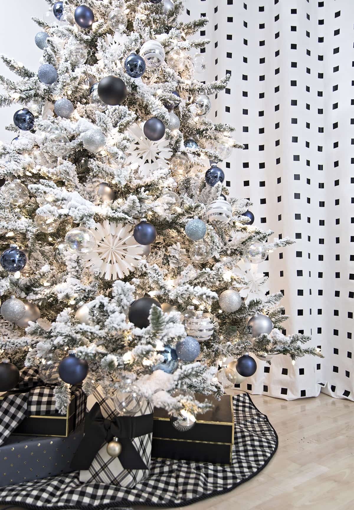 Blue, Black and White Christmas | Cuckoo4Design