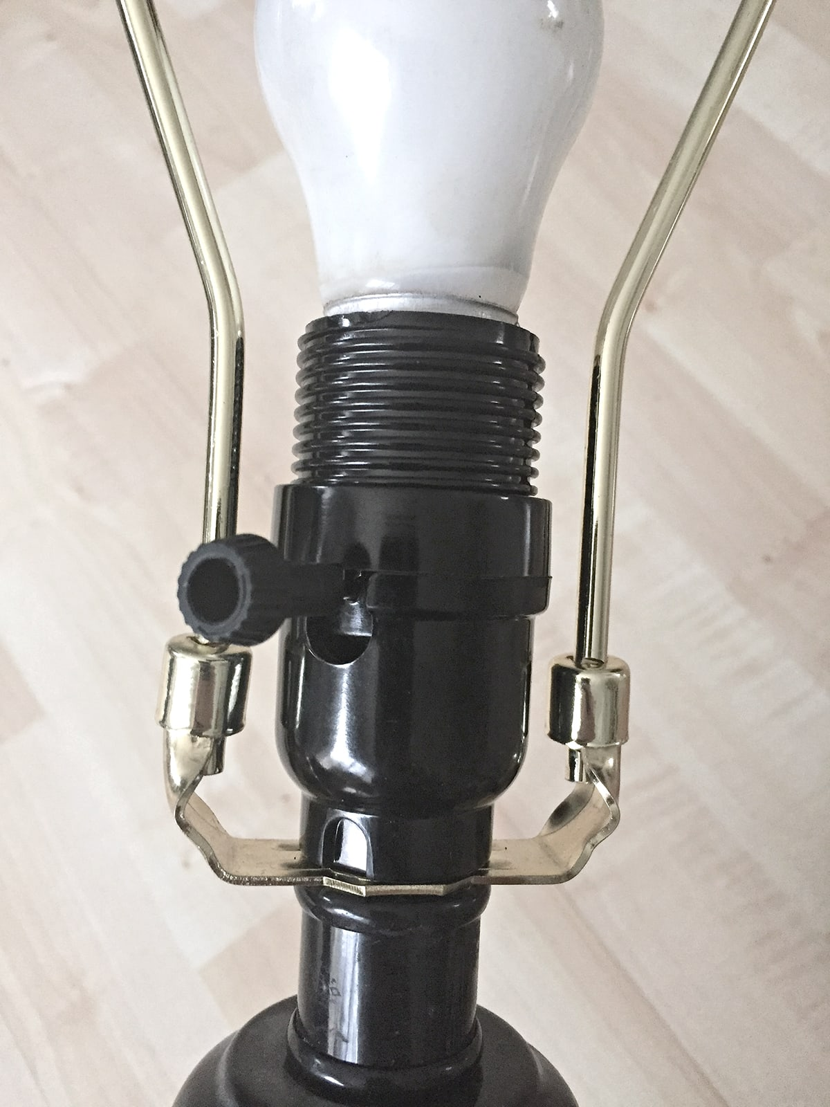 How to add a harp to a lamp