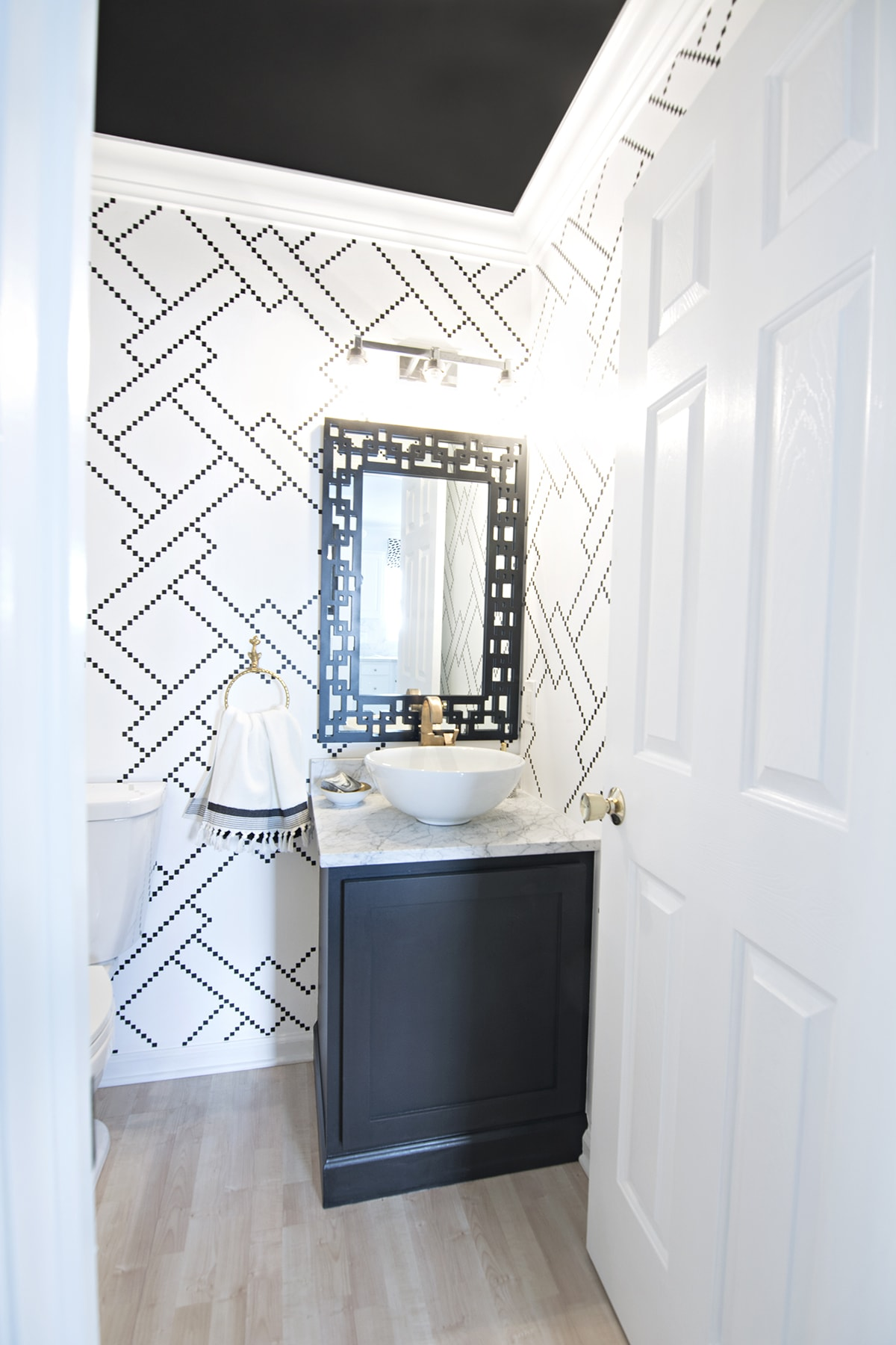 Room Design Black And White: Little Black Squares Stencil Wall