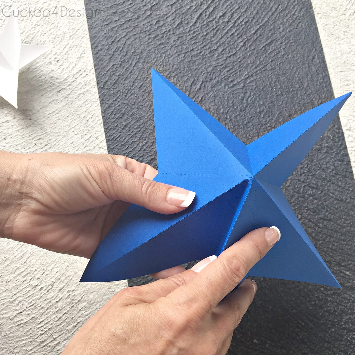 folding stars for DIY star bunting