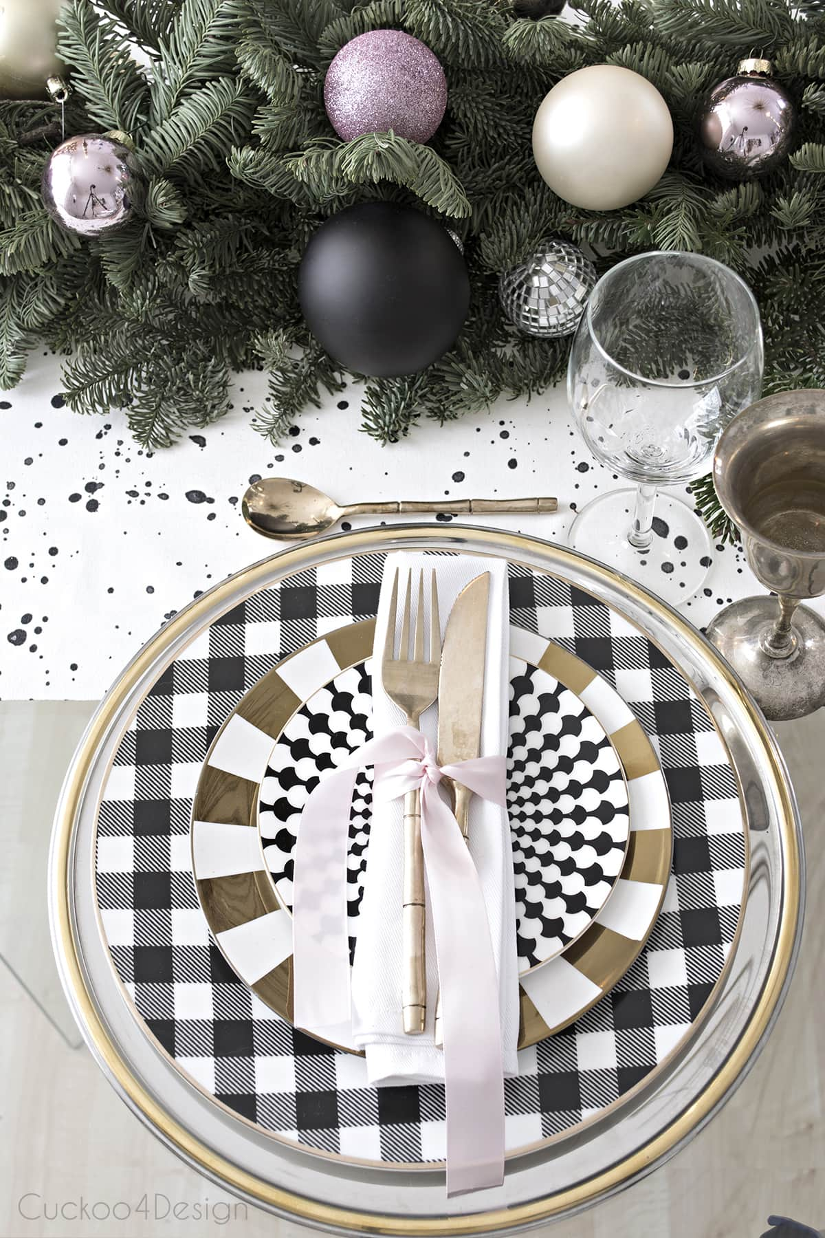 black and white, gold and silver mixed together for a festive table setting