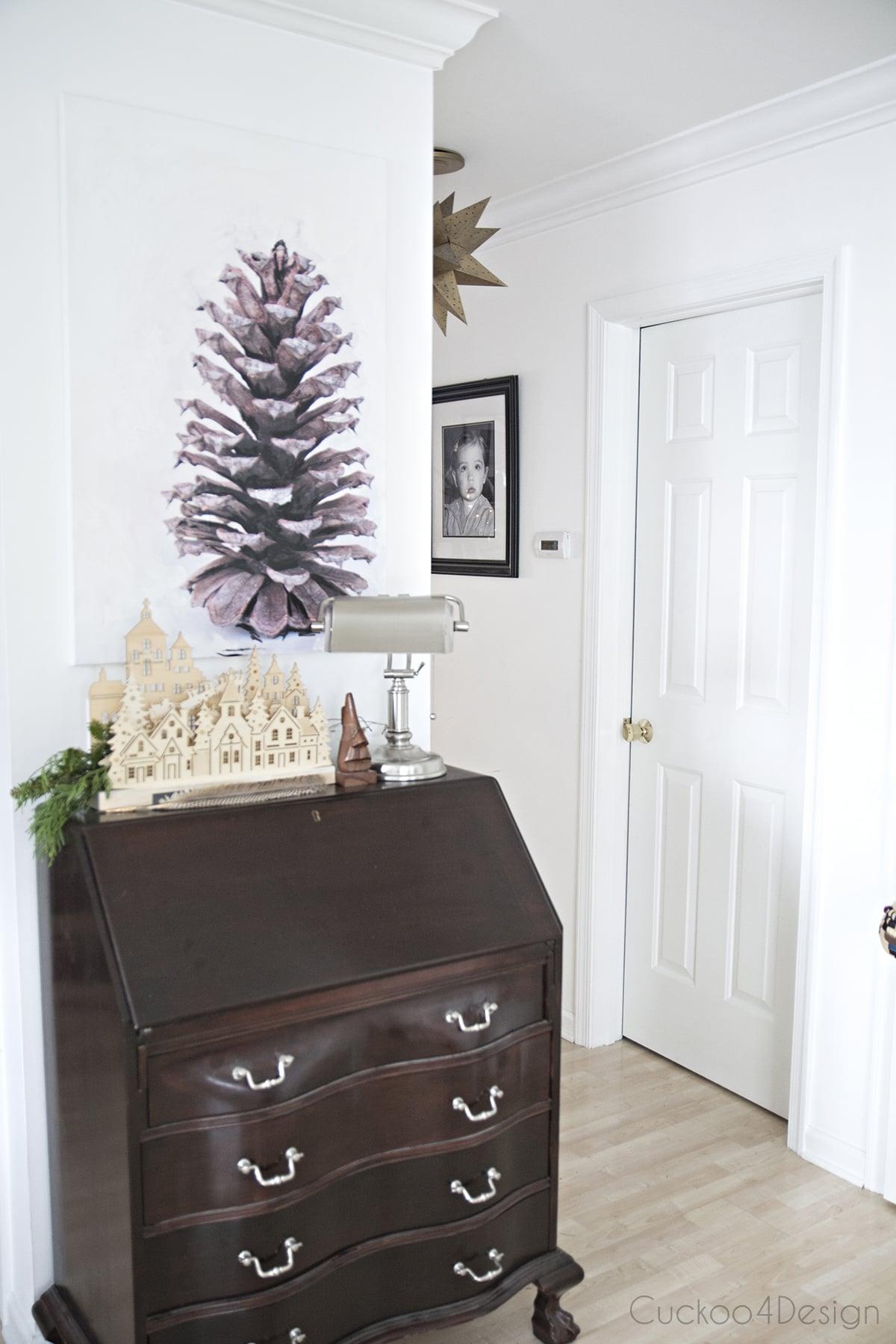 DIY pinecone Christmas artwork