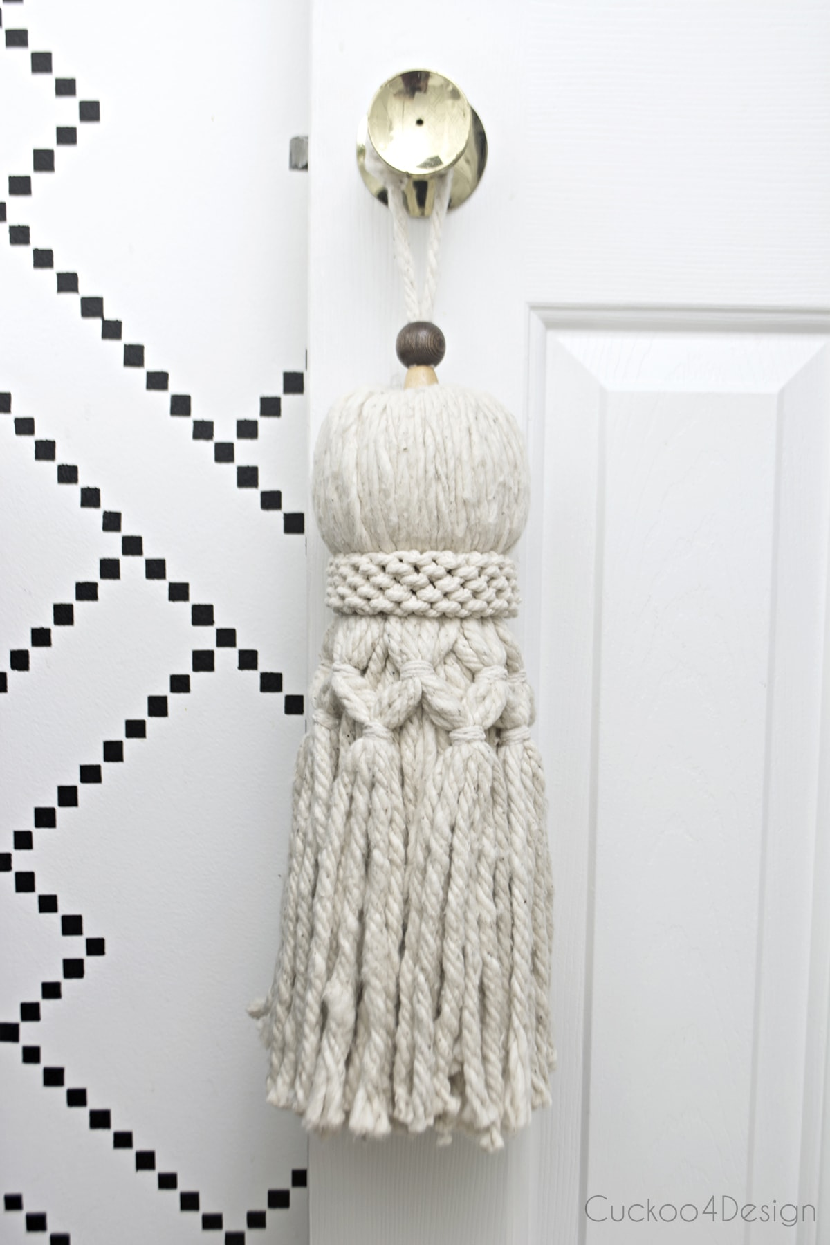 How to make your own huge oversized tassel from mop head