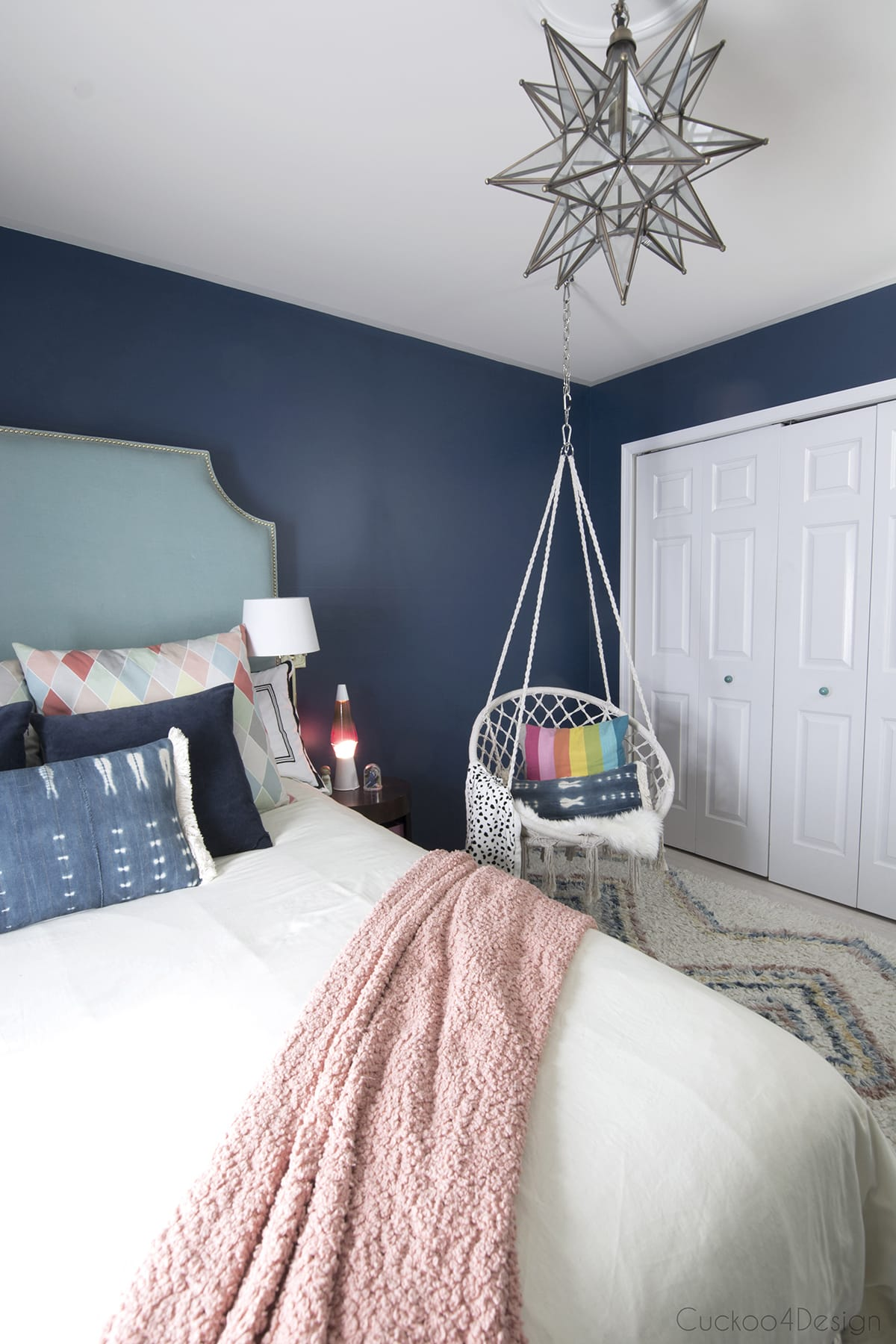 Teen Girl Room Design: Dark Blue Girls Room