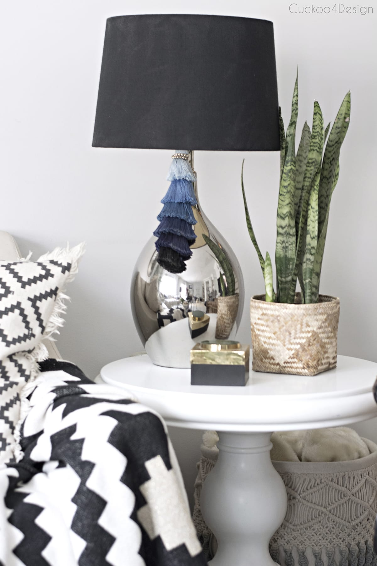 stacked ombre tassel on lamp in living room