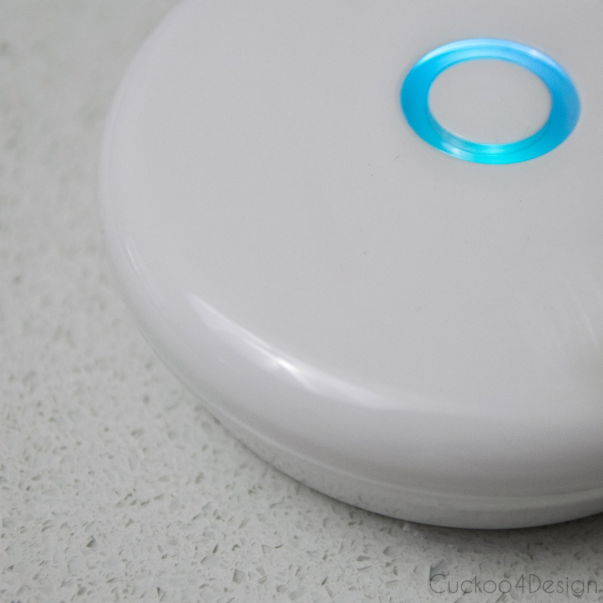 water leak sensor with blue alert light and beep