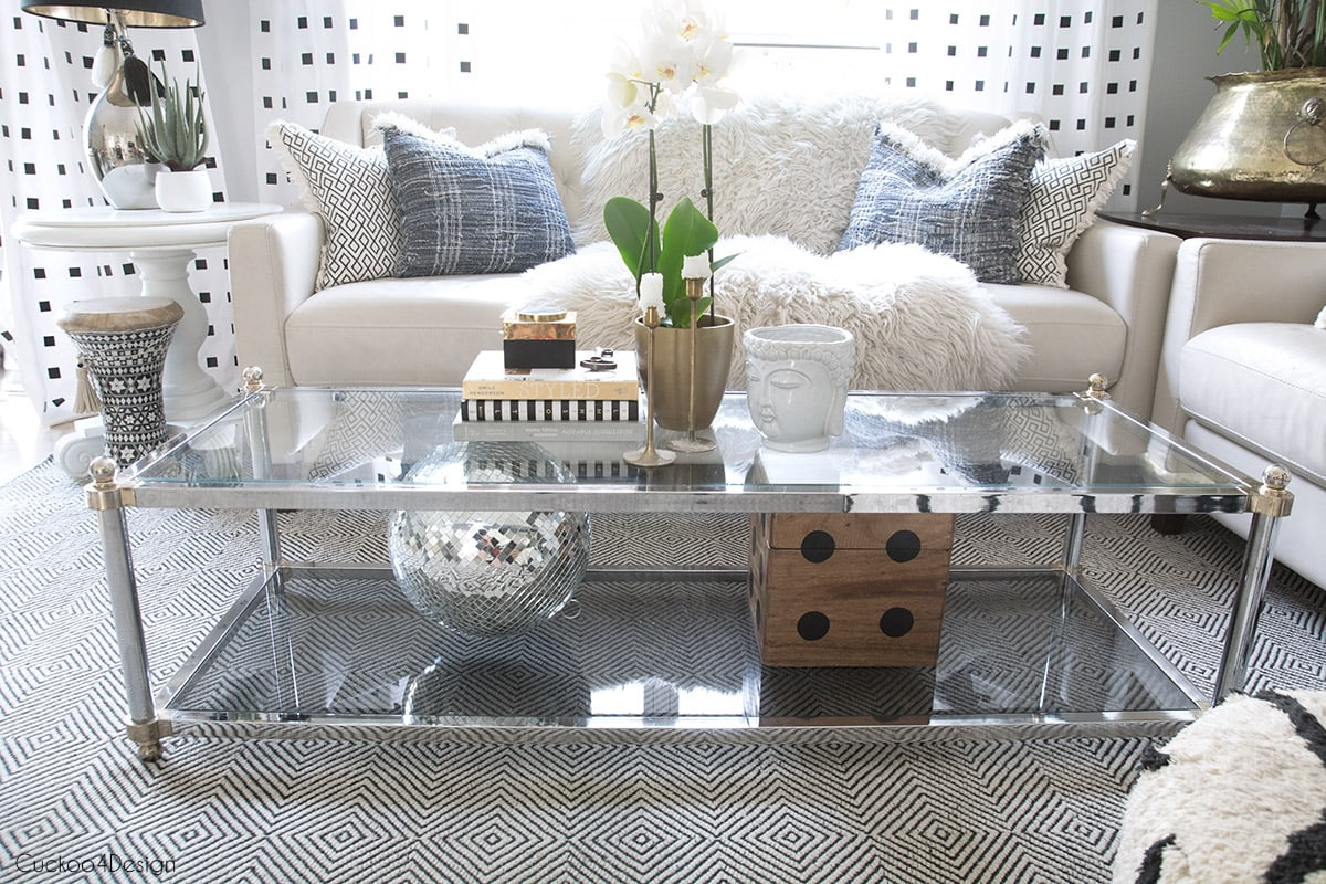 Different Coffee Table Decor Ideas