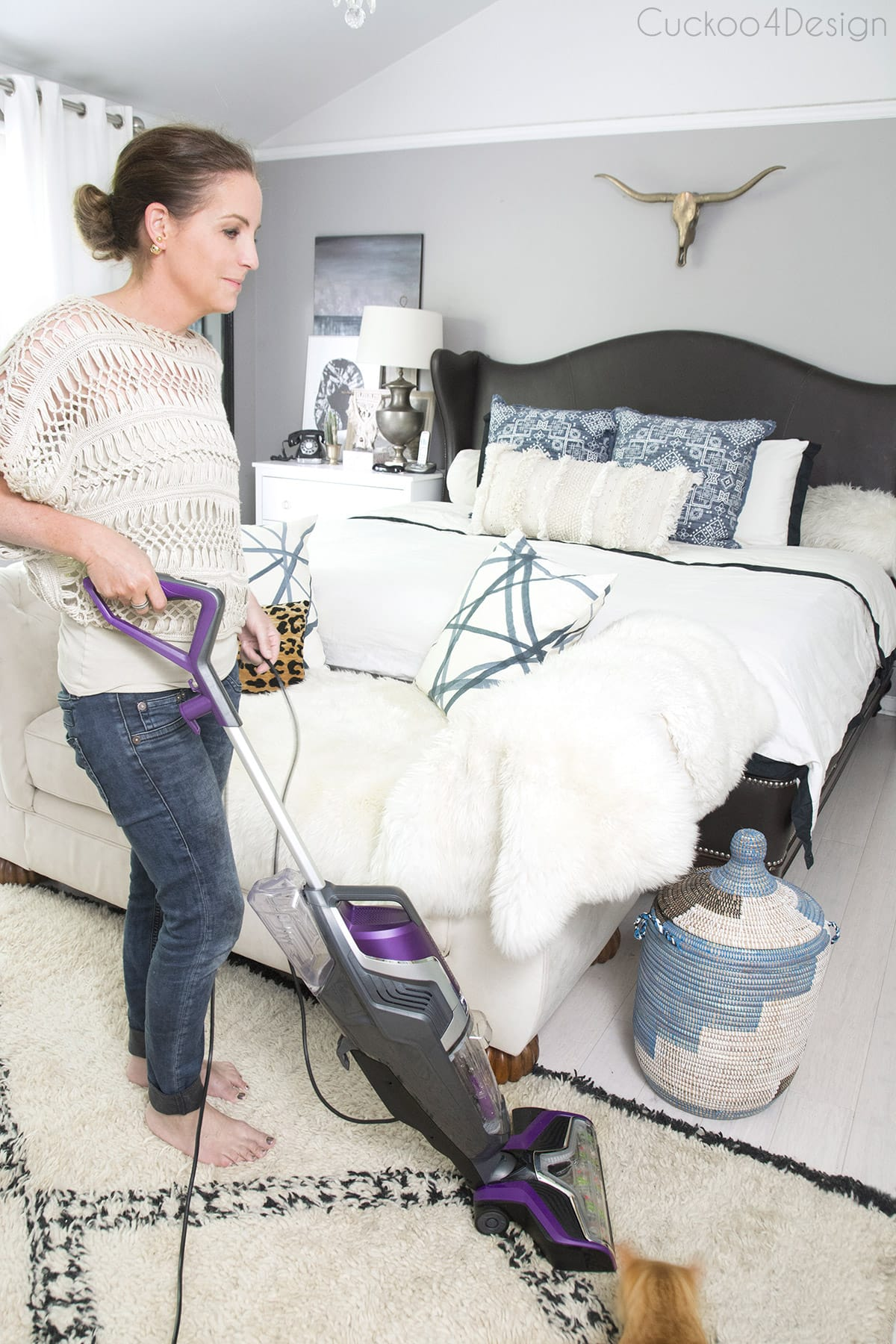cleaning a shag rug with BISSELL crosswave pet pro