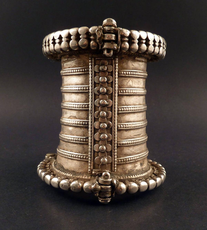 | Afghan jewelry #jewelry #silverjewelry #fashion