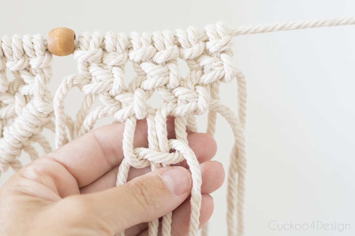 shaping offset square knots into triangle for beginner macrame garland