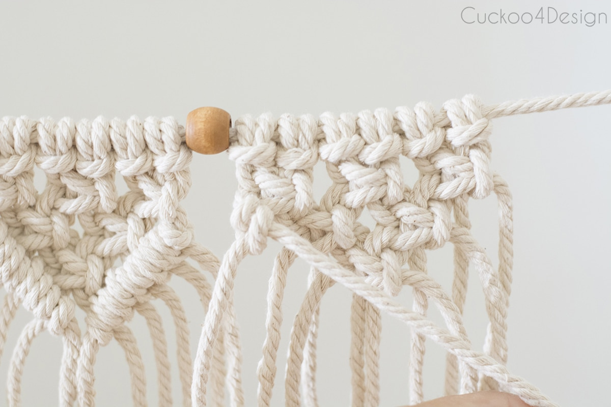 how to make an easy beginner macrame garland