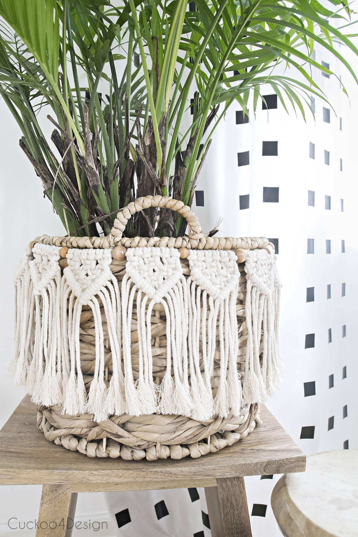 beginner macrame garland as decor