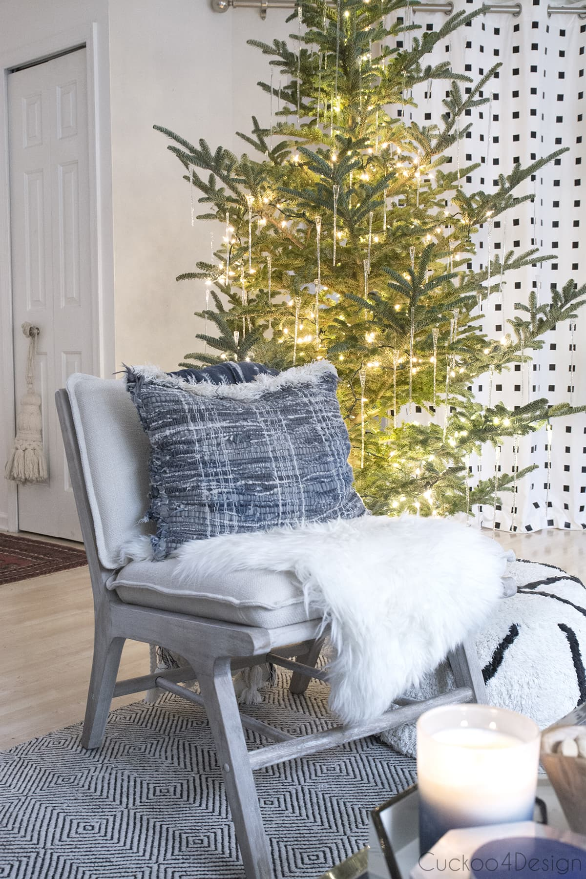 simple and natural Christmas Decorations for tree with glass icicles