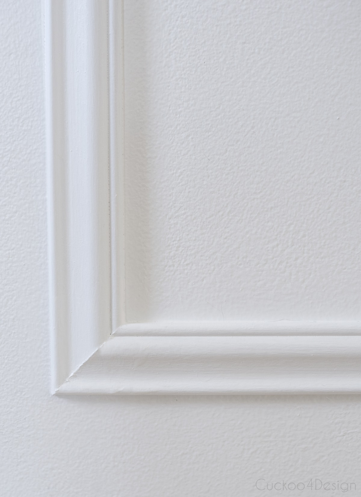 detailed photo of picture frame wall moulding corner