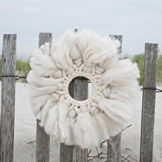 Wool and yarn macrame wreath tutorial