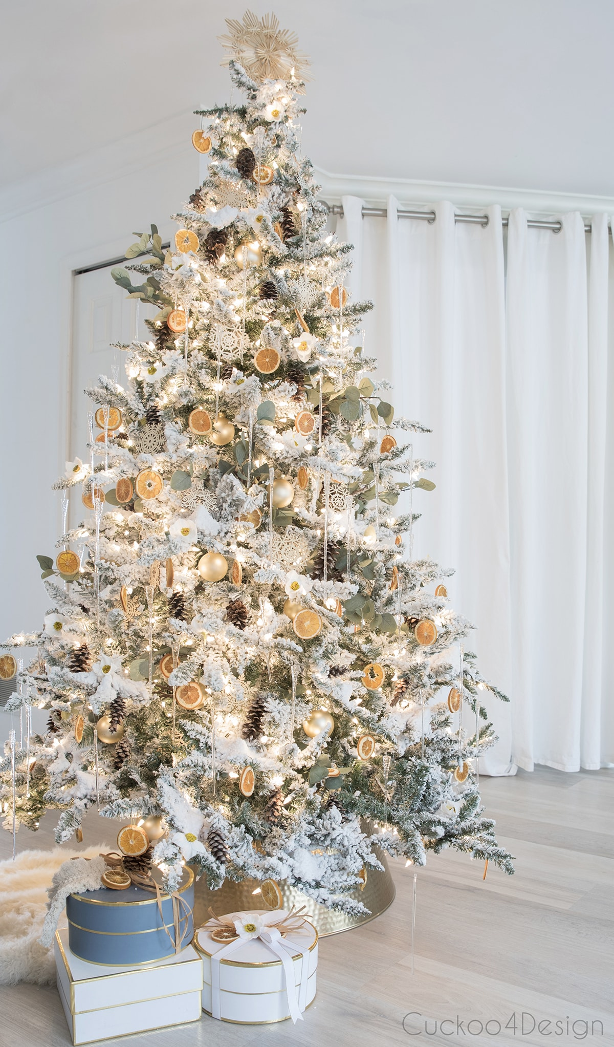 German Christmas tree decor with a modern twist
