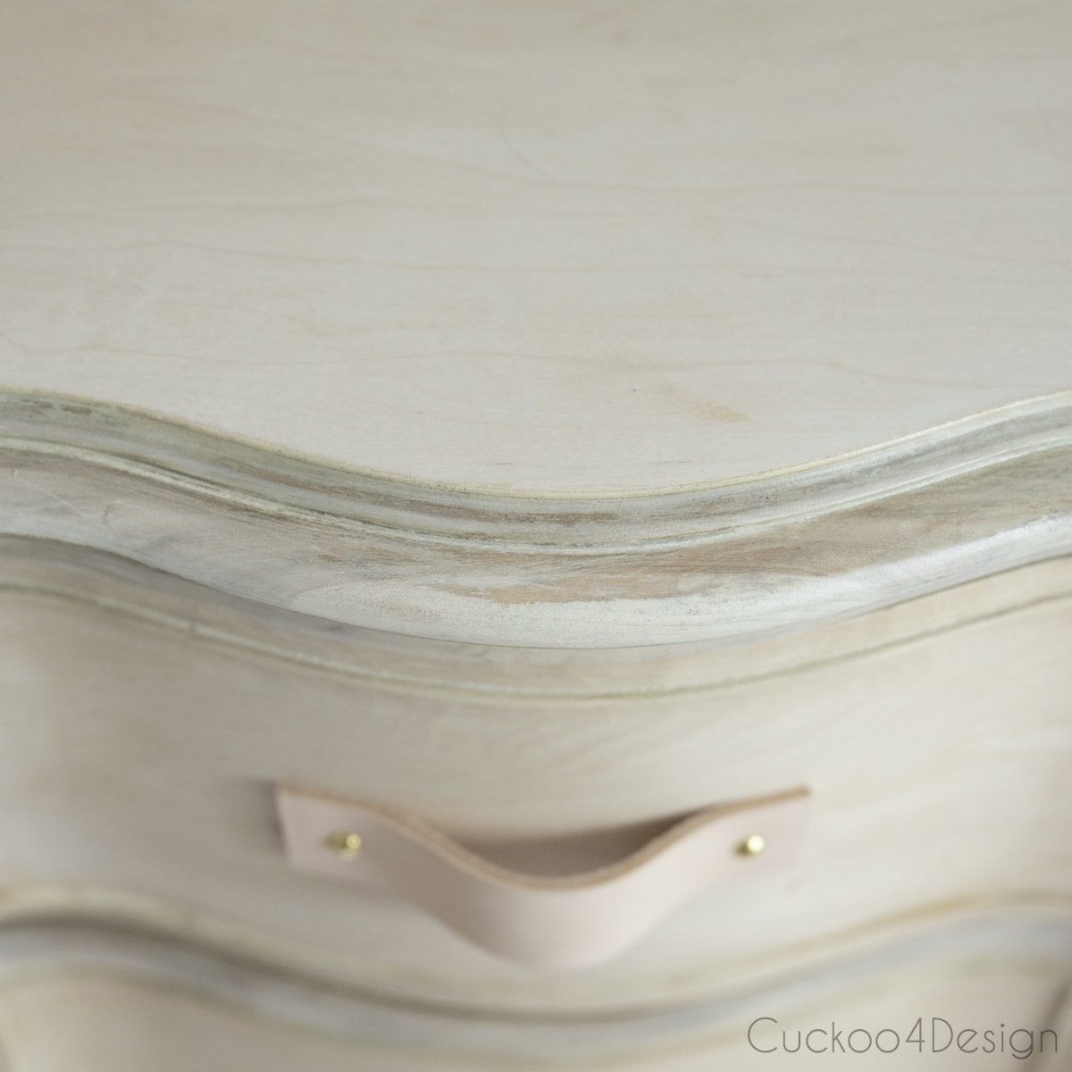 matching tones of wood of wood bleached dresser
