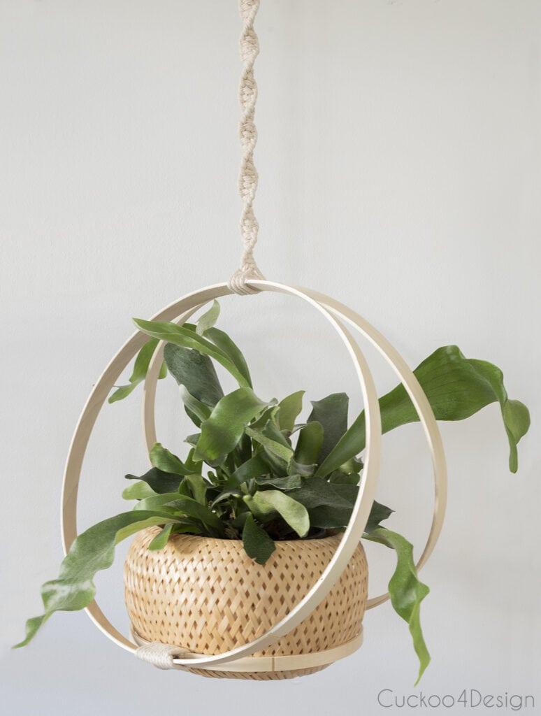 close up of the finished hoop hanging basket