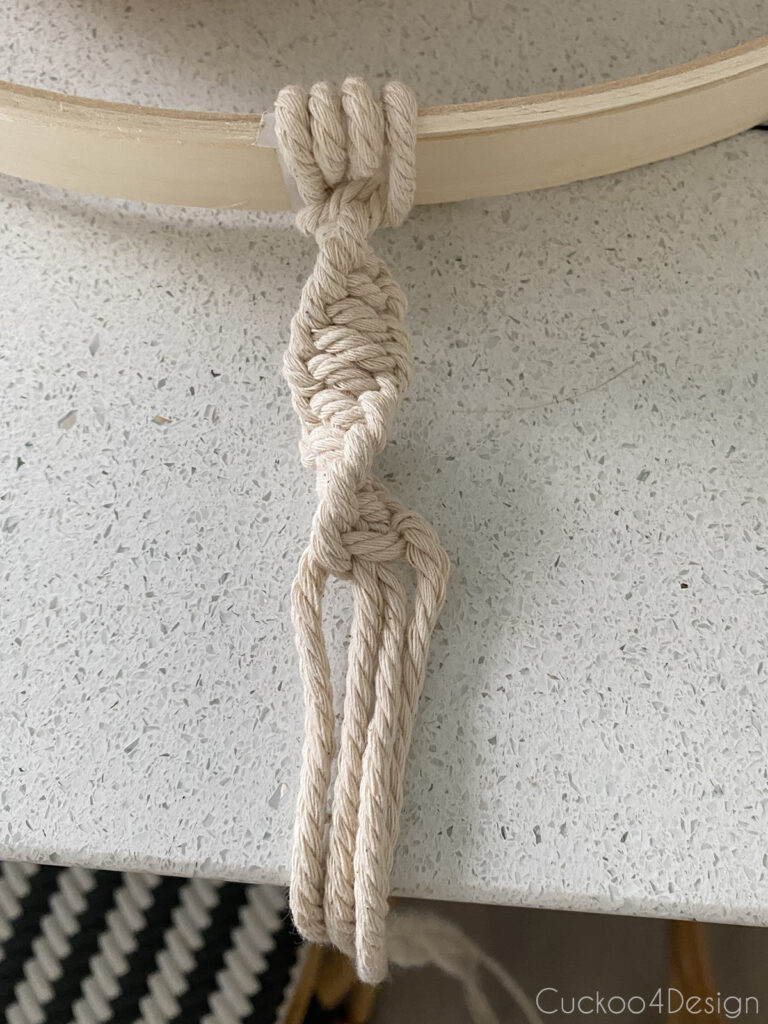 beginning of the spiral knot strand